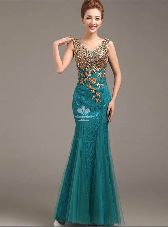 vestito-da-sera-elegante-di-pizzo-con -ricami-e-applicazioni-di-pietre-e-paillettes c783991a627