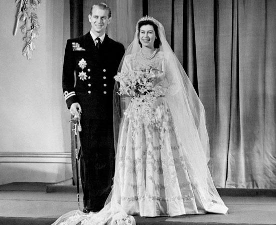 abiti-da-sposa-a-line-elisabetta-regina