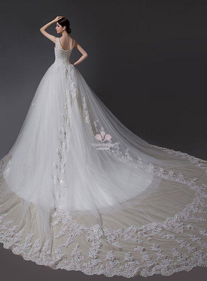 strascico-dell-abito-da-sposa-a-cattedrale