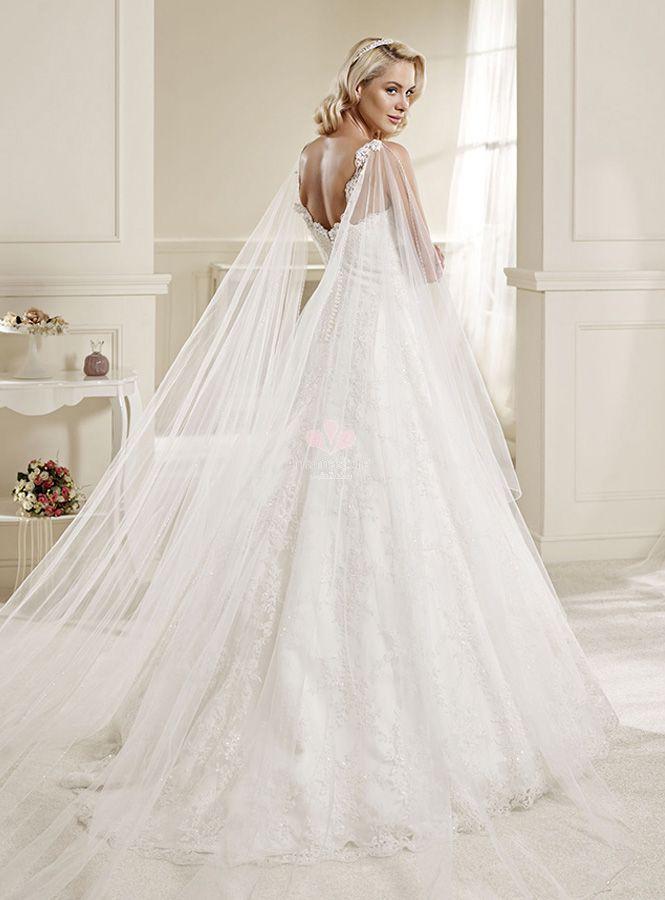 strascico dell'abito da sposa-a-watteau