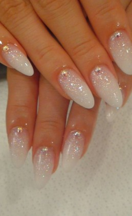 nail-art-sposa-brillantini
