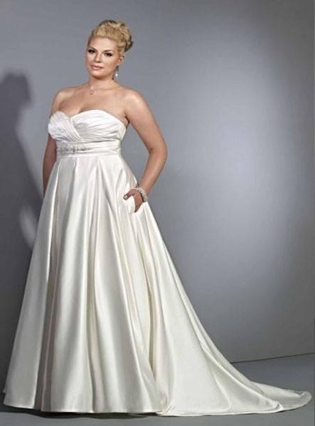 abiti-da-sposa-redingote-donne-curvy