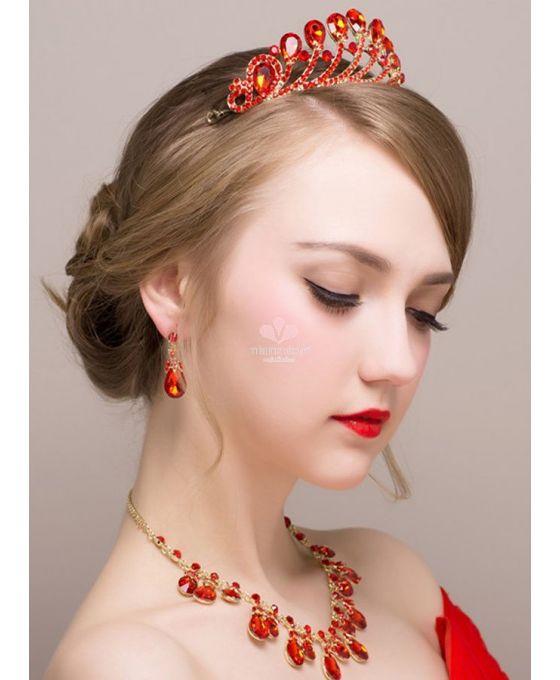 tiara-sposa-rossa-con-orecchini-a-goccia