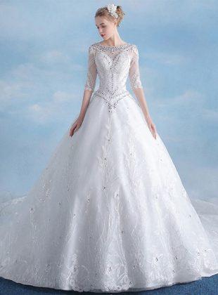 abiti-da-sposa-principessa-con-bustino-a-punta