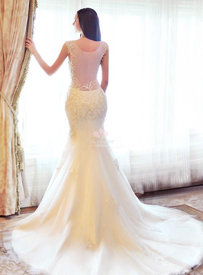 304b504a66a9 abito-da-sposa-online-a-sirena-con-applicazioni-di-pizzo-e-perline-con- scollatura-profonda-sulla-schiena