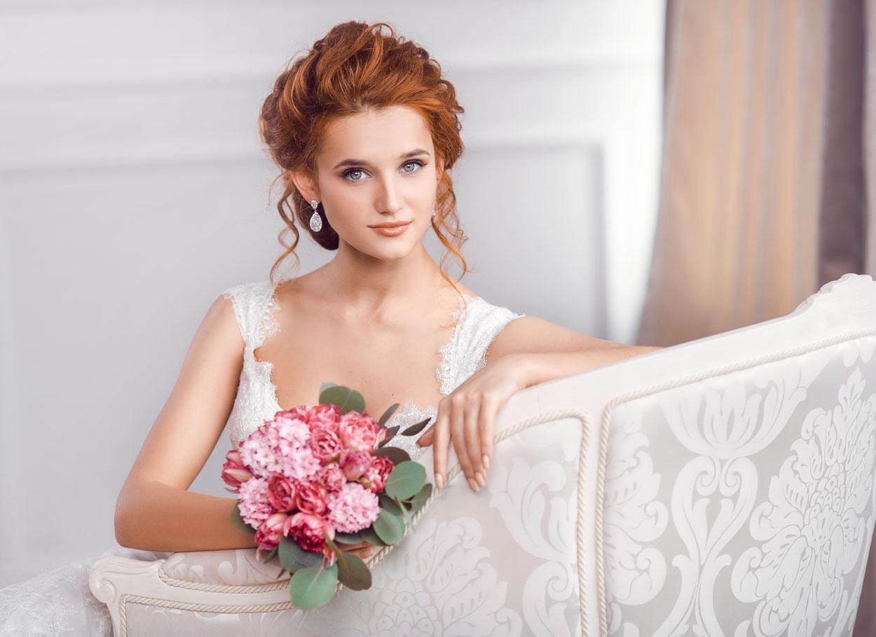 abito-da-sposa-bianco-avorio-rossa