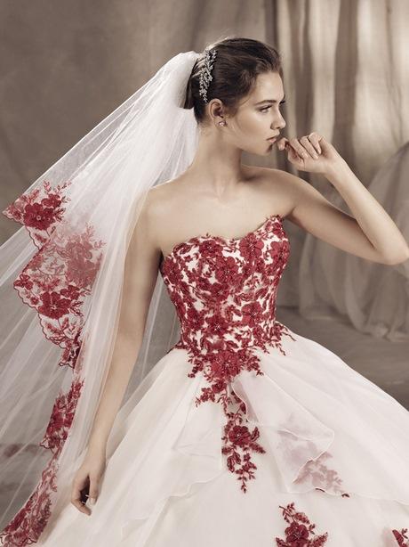 abito-da-sposa-bianco-con-pizzo-rosso